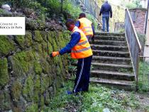 I richiedenti asilo ripuliscono il centro di Rocca di Papa, il progetto che dà il buon esempio
