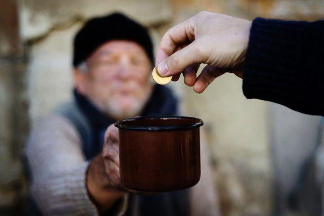 contributi povertà velletri e lariano
