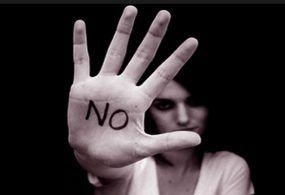 """Vittime di femminicidio, il bando per ottenere contributi """"una tantum"""" da 10mila euro"""