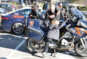 """""""Cultura della legalità"""": i bambini a lezione dai Carabinieri"""