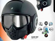 Gli accessori indispensabili da abbinare al casco da moto