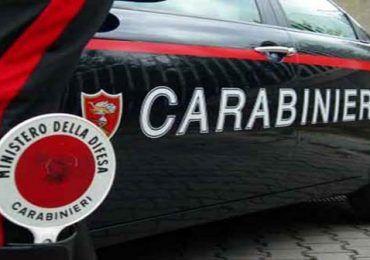 carabinieri 45enne picchia padre