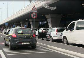 Tassisti abusivi, blitz della Guardia di Finanza all'aeroporto