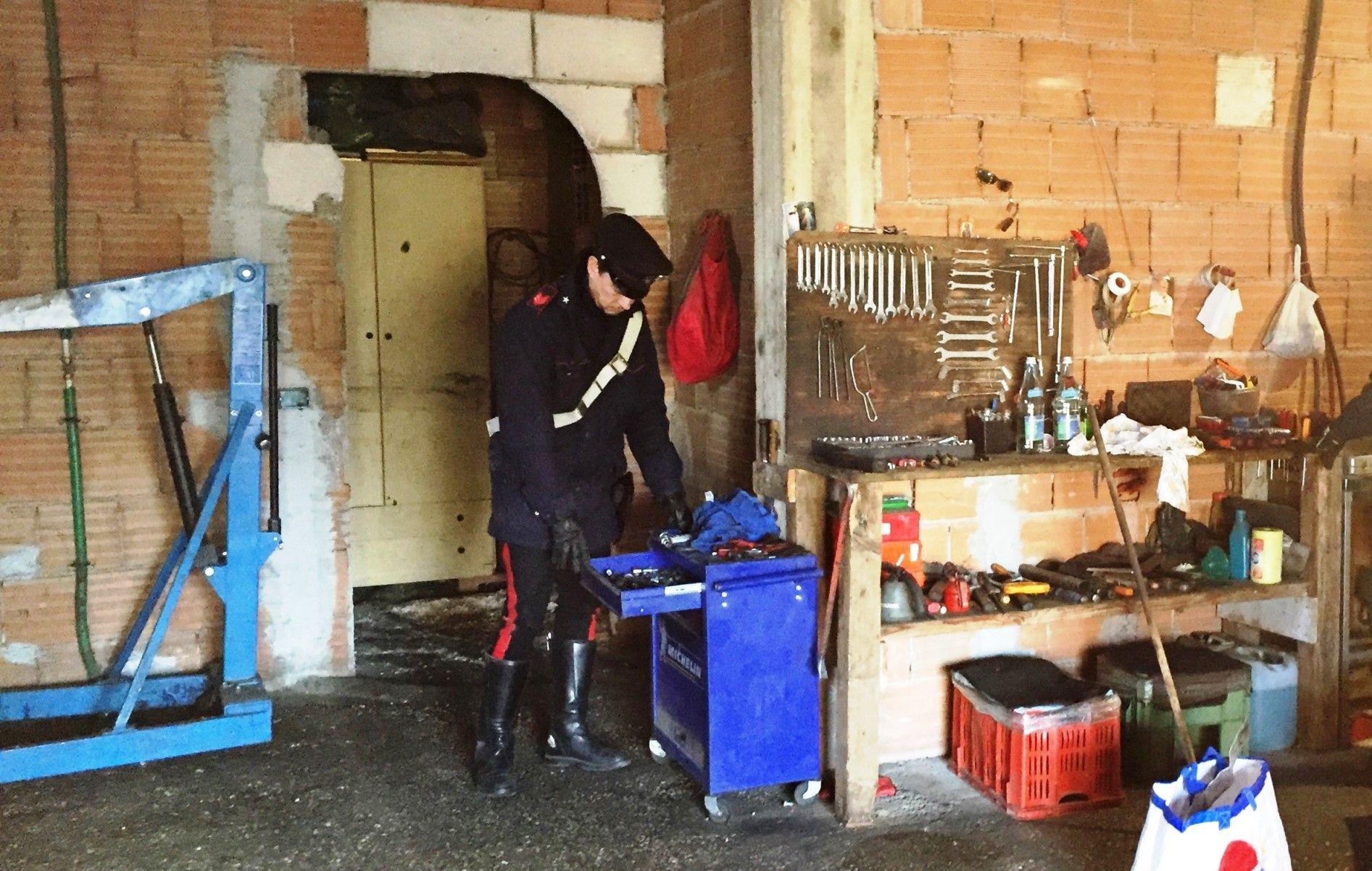"""Carabinieri di Roma, scoprono centrale del riciclaggio a """"gestione familiare"""", arrestati i due cugini"""