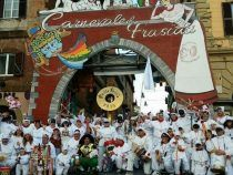 """""""Alice nel paese delle meraviglie"""", fuochi e navette gratuite per il Carnevale di Frascati"""