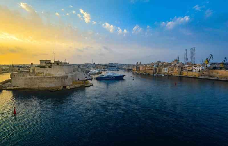 dai castelli romani a Malta