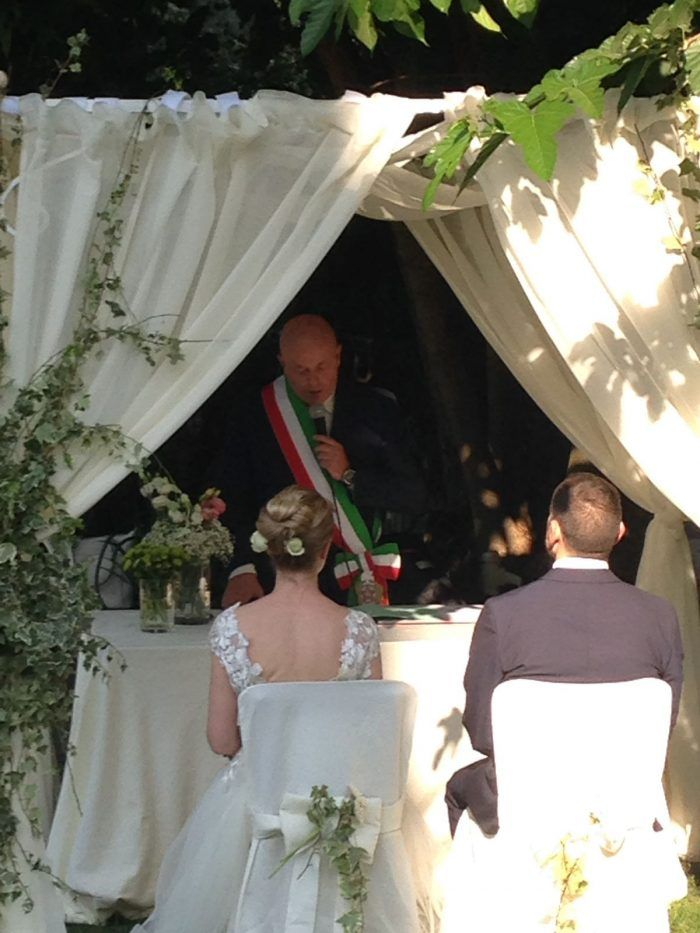 Matrimonio Civile Villa Toscana : Celebrato a marino il primo matrimonio civile villa