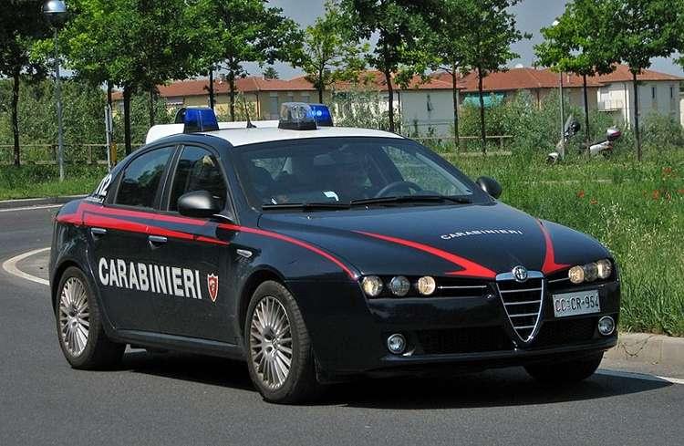 carabinieri arrestano fratelli gemelli per rapina e lesioni personali