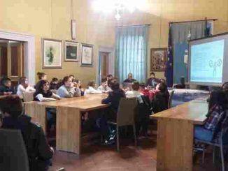 """Il Sindaco di Genzano, Lorenzon ha incontrato le classi quarta e quinta della scuola Landi e le prime del Garibaldi per il progetto """"Educazione alla Legalità"""""""