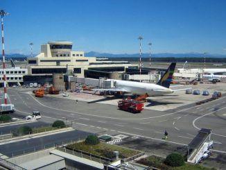 Ciampino aeroporto chiuso per incendio