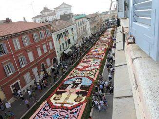 Il 9, 10 e 11 giugno torna la tradizionale infiorata e infiorata ragazzi di Genzano, esposti i bozzetti