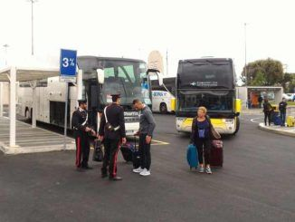 Controlli dei Carabinieri all'aeroporto G:B Pastine
