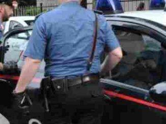 Donna pusher arrestata dai Carabinieri, nascondeva hashish e marijuana in casa