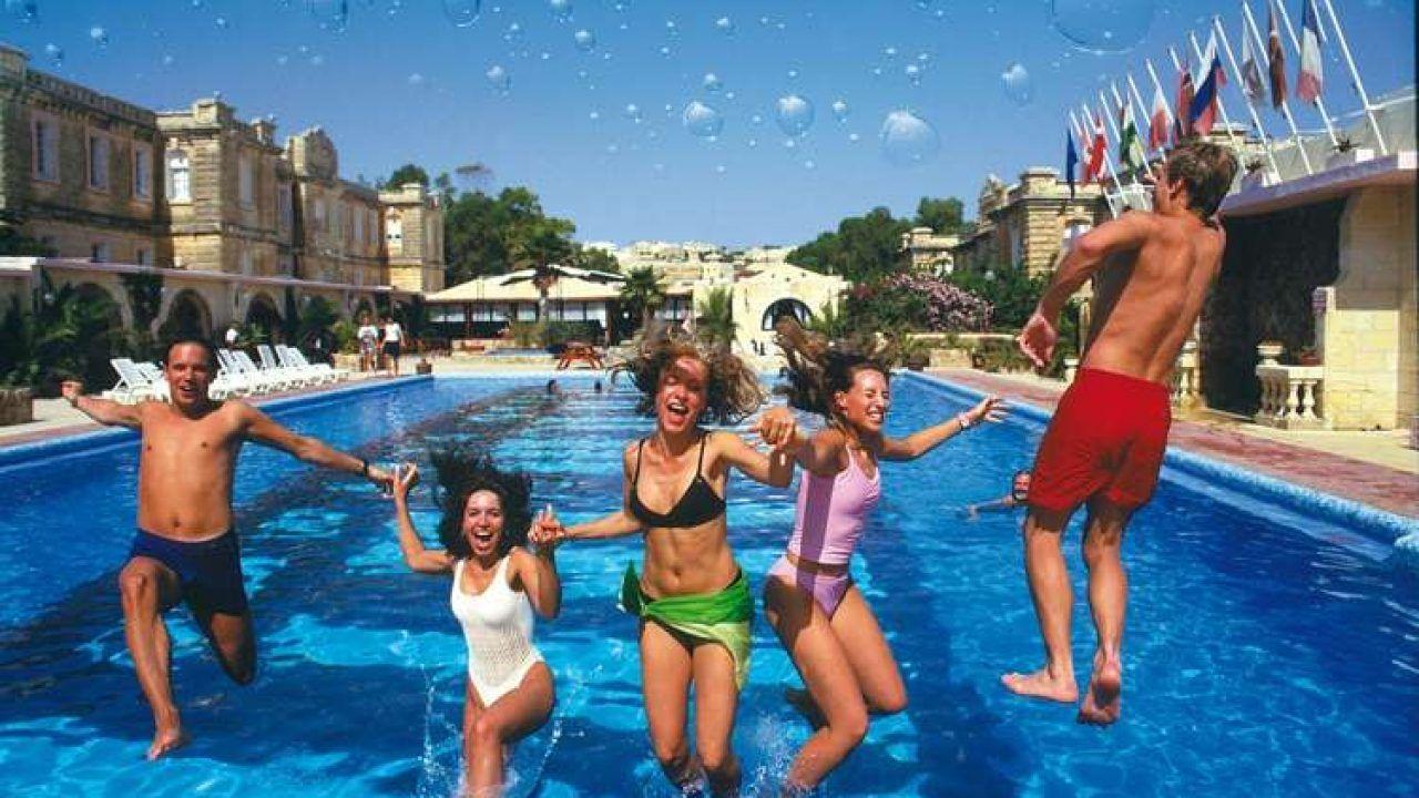 Vacanza studio a Malta in college o famiglia per ragazzi da ...
