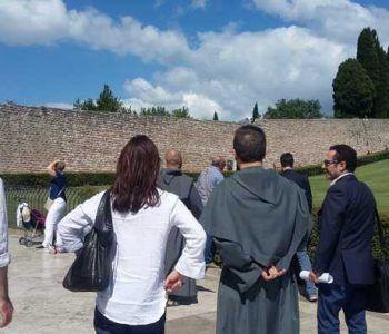 Protagonista della festa patronale ad Assisi, in ottobre, l'Associazione Città dell'Infiorata
