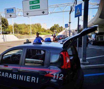 Carabinieri controllano gli aeroporti di Ciampino e Fiumicino. Arrestate 4 persone per furto