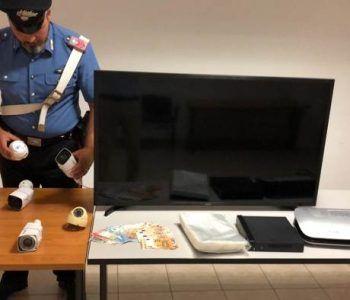 Scoperta dai Carabinieri della Compagnia di Frascati casa della droga. Arrestata una giovane pusher