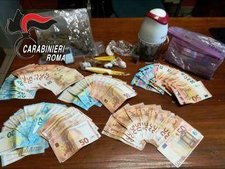 carabinieri arrestano pusher