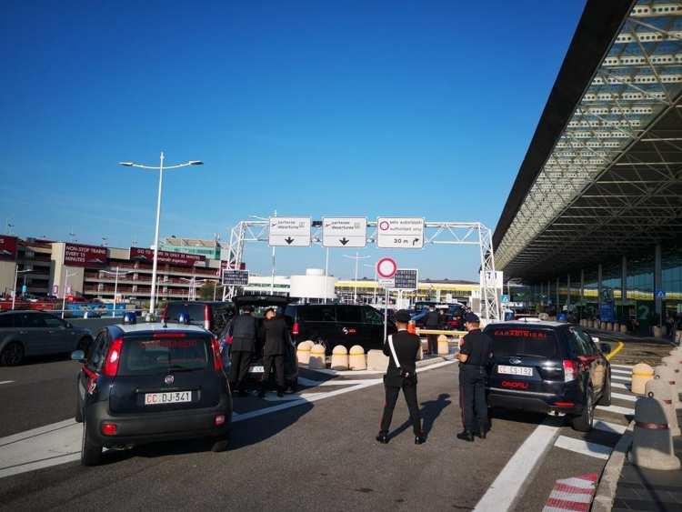AEROPORTI – Controlli Carabinieri a Fiumicino e Ciampino (2)